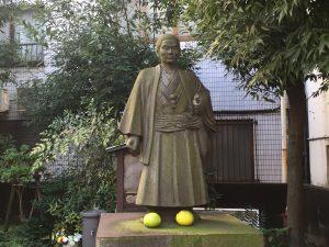 JR板橋駅前にある近藤勇像
